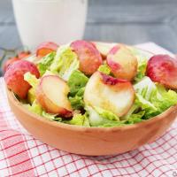 Sommersalat mit Pfirsichen
