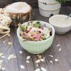 Herbstsalat mit Mandeln und karamellisierten Zwiebeln