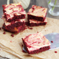 Marmorierte Red-Velvet-Brownies
