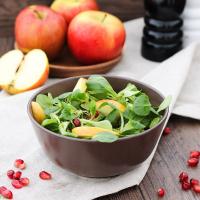 Feldsalat mit zweierlei Äpfeln