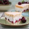 Kirsch-Joghurt-Torte mit Kakaosplitter