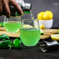 Gin Basil Smash mit Balsamicocreme