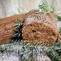 Lebkuchen-Biskuitrolle mit Bratapfel-Füllung