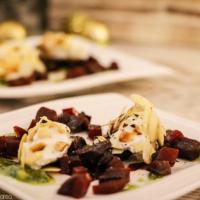Ziegenfrischkäsenocken auf Rote-Bete-Salat