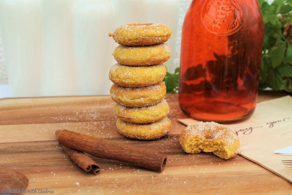 cb-with-andrea-mini-kuerbis-donuts-selber-machen-rezept-kuerbiszeit-herbst-www-candbwithandrea-com3