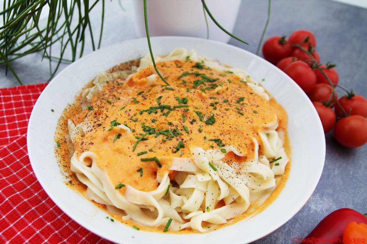 Pasta mit Paprikasoße - Cookbook2016 - ALF2