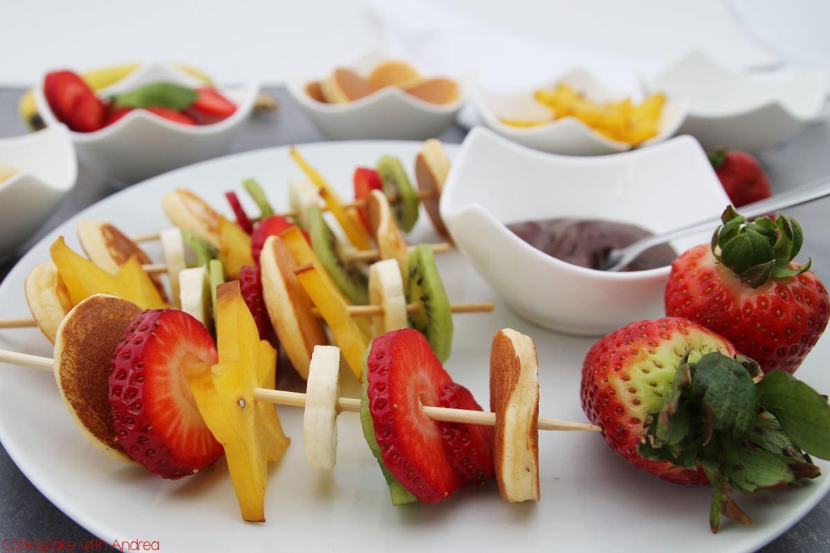 Pancake Schaschlik mit Obst Frühstück www.candbwithandrea.com - Rezept 2