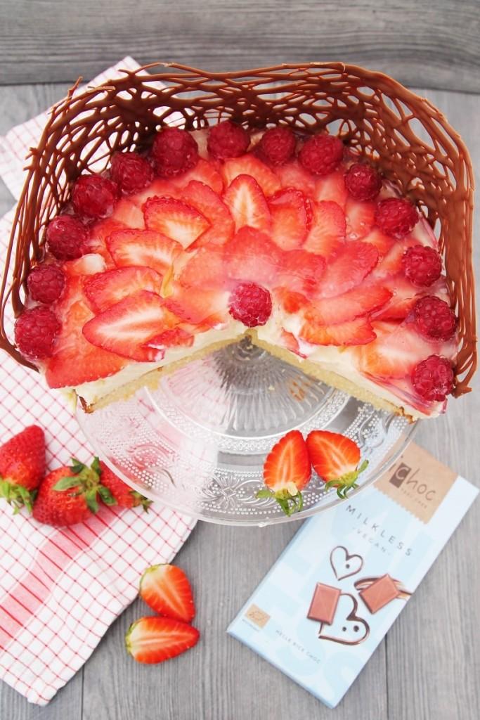 C&B with Andrea - Veganer Erdbeer-Pudding-Kuchen mit IChoc - Sommer - Kuchen - www.candbwithandrea.com2-min