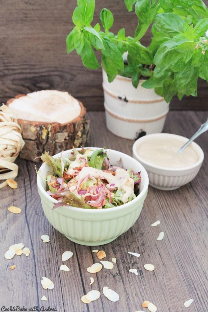 cb-with-andrea-herbstsalat-mit-mandeln-und-karamellisierten-zwiebeln-rezept-herbst-www-candbwithandrea-com2