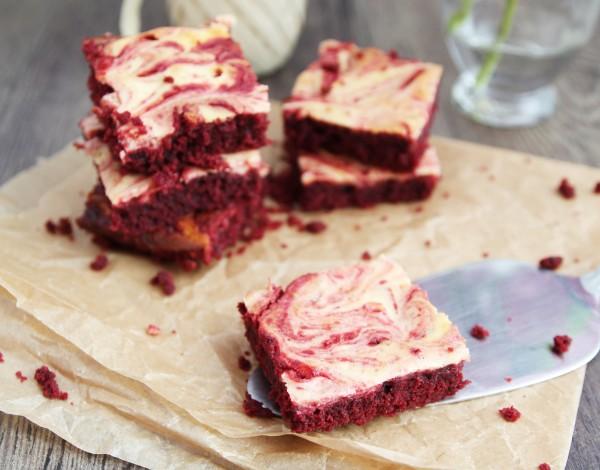 Marmorierte Red-Velvet-Brownies