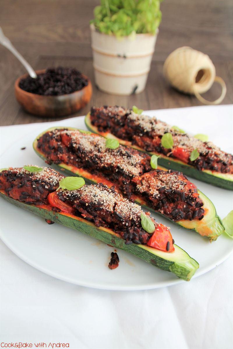 cb-with-andrea-zucchinischiffchen-mit-reisfuellung-rezept-vegan-www-candbwithandrea-com1