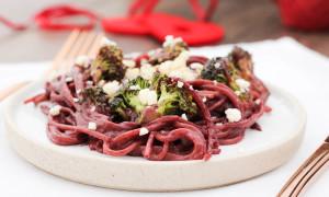 Rotwein-Spaghetti mit Brokkoli