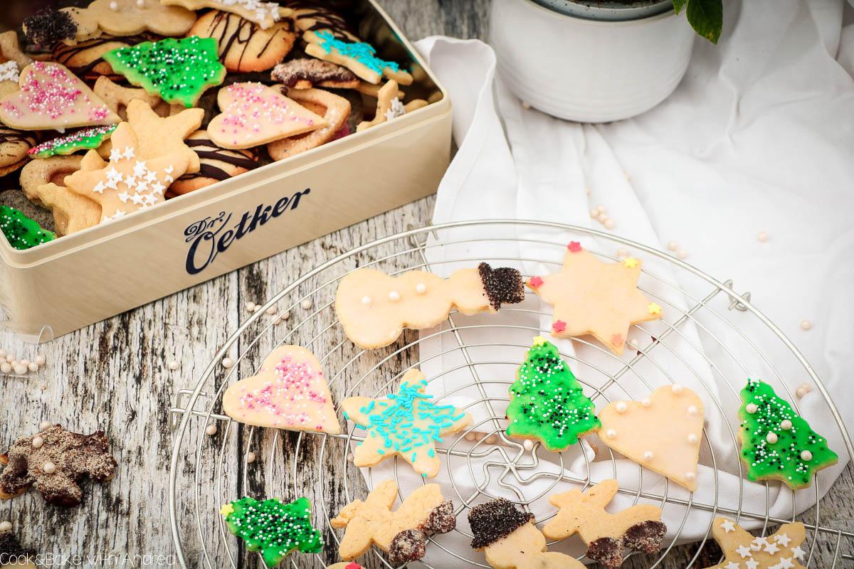 Meine Mürbeteig-Plätzchen zum Ausstechen eignen sich super zum Backen mit der ganzen Familie und um seiner Kreativität bei der Deko freien Lauf zu lassen. Das einfache winterliche Rezept findet ihr auf dem Blog von Cook and Bake with Andrea.