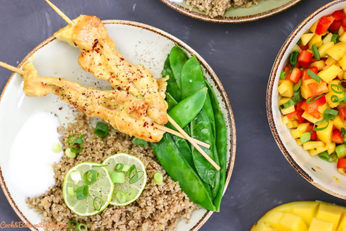 Hähnchen-Spieße mit Mango-Salsa